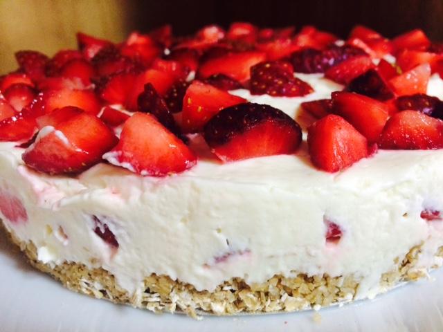 torta-de-morango-inteira
